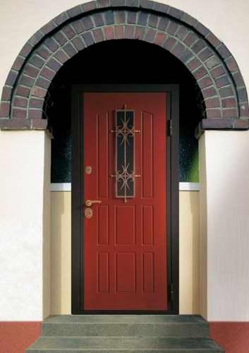 входные железные двери с встроенными окнами