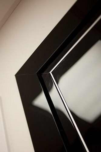 металлические двери с глянцевым покрытием
